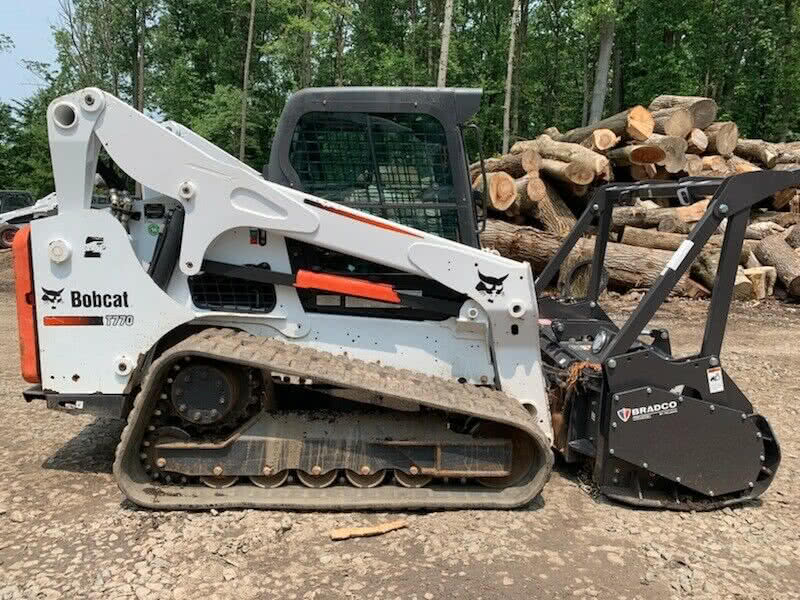 T770 Bobcat with Forestry Kit 02